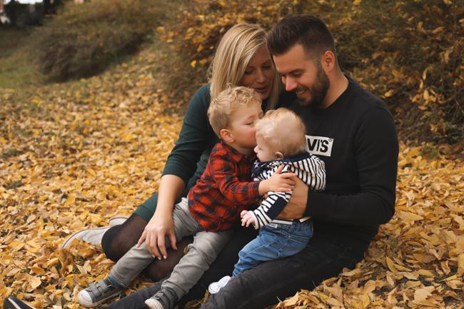családi fotózás ősszel szabadtéren